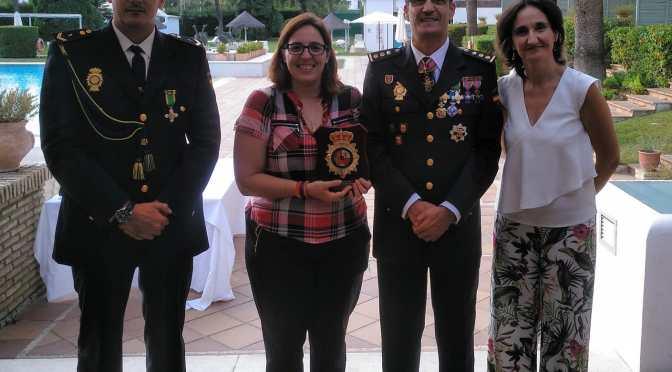 La APJ recoge en nombre de los periodistas de Jerez el reconocimiento otorgado en el Día de la Policía